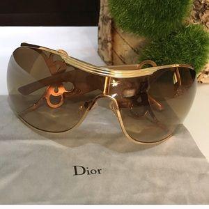Dior QGY2K sunglasses